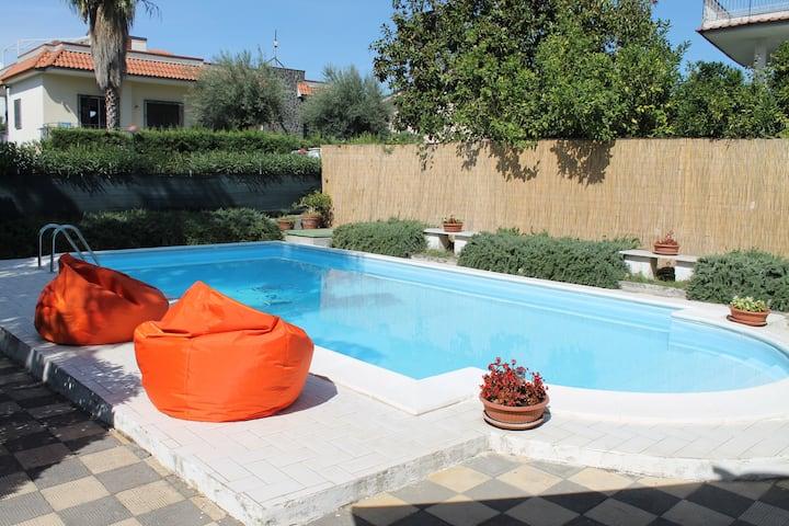 """Grazioso appartamento con piscina """"VILLA CLELIA"""""""