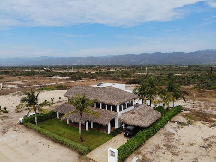 Casa Flor. Entire Villa in puerto Escondido