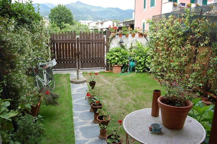 Villa Versilia 5 minutes by bike from the beach - Capanne-Prato-Cinquale - Villa