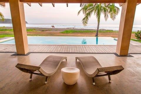 Casa Aqua: Amazing beach front house - Playa Venao