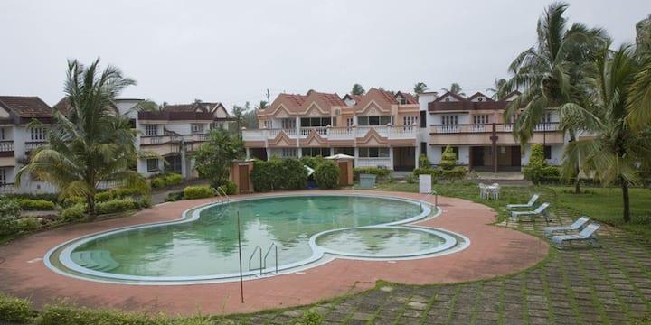 ★ Tulip King Room In Benaulim, Goa ★