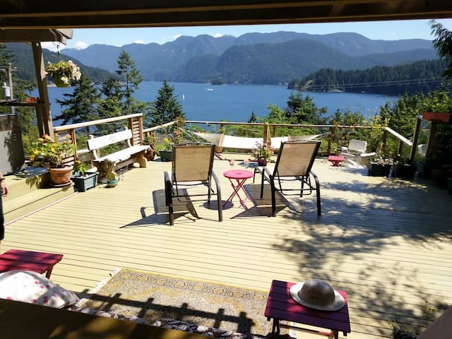 Waterview Apartment in Deep Cove