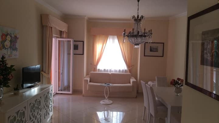 D- short lets of best flat with pool in Sorrento