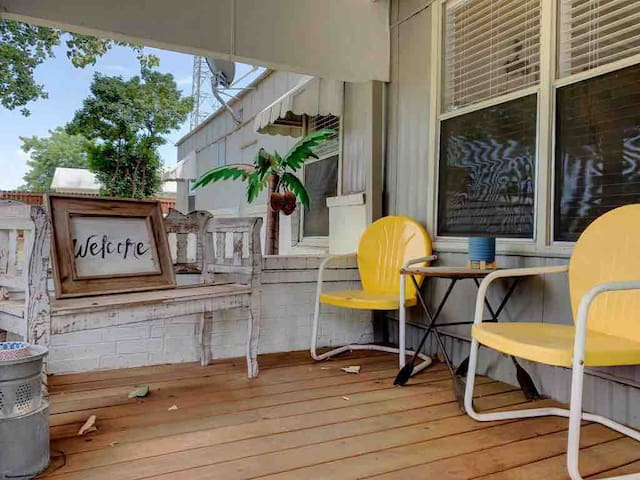 Lake Bungalow-Pet friendly- Highport Marina