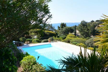 Gorgeous villa with sea views from all rooms - Roquebrune-sur-Argens - Talo