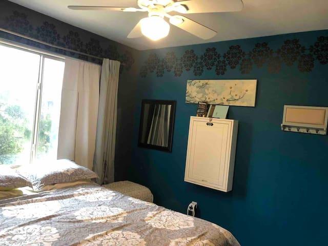 Nice&Cozy Room w/ Smart TV, free Netflix & WiFi