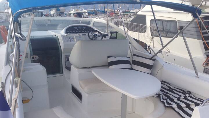 Boat Marina Real Juan Carlos Valencia