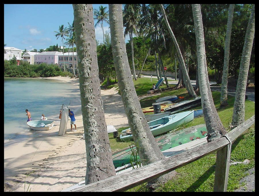 Mangrove Bay - 2 minutes from your patio..