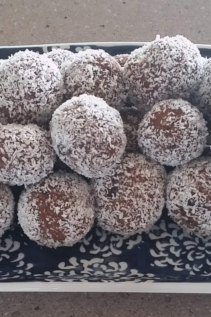 Cacao Date Balls