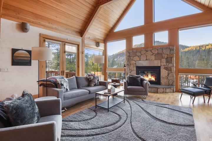 Paradise Nest: Stunning Squaw Valley Ski House w/ Views *NEW LISTING*