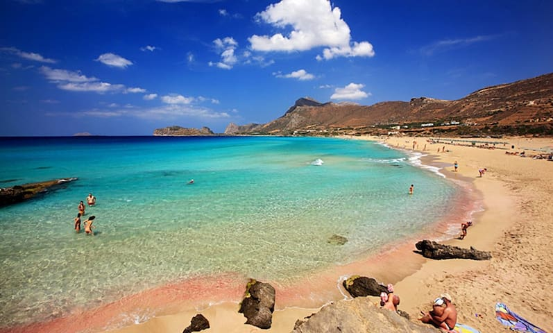 The beach of Falassarna, 46.8km from the villa