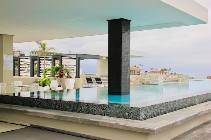 Stunning Zona Romantica Loft Condo
