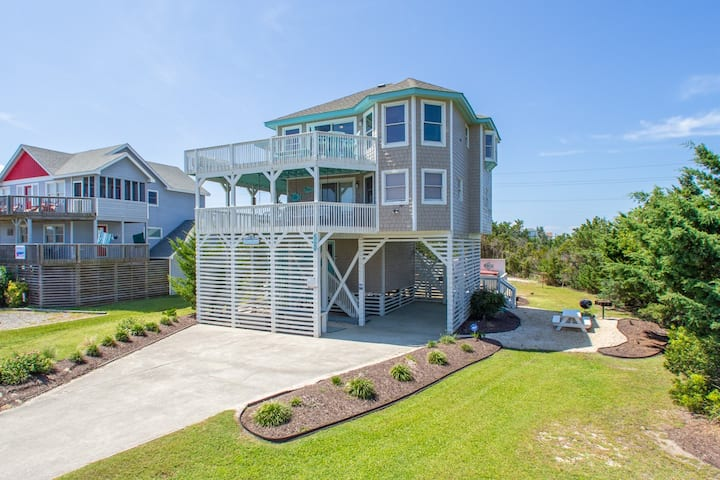 Private HGTV 4 BR 2 BR Luxury  Semi Oceanfront