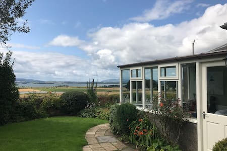 Cosy, 5⭐cottage, accessible, 🐶friendly, Loch view