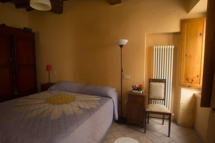 Appartamento nel cuore di Urbania. 20km da Urbino. - Urbania - Leilighet