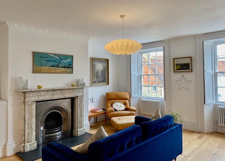 Stunning Flat in The Heart of Midhurst Old Town