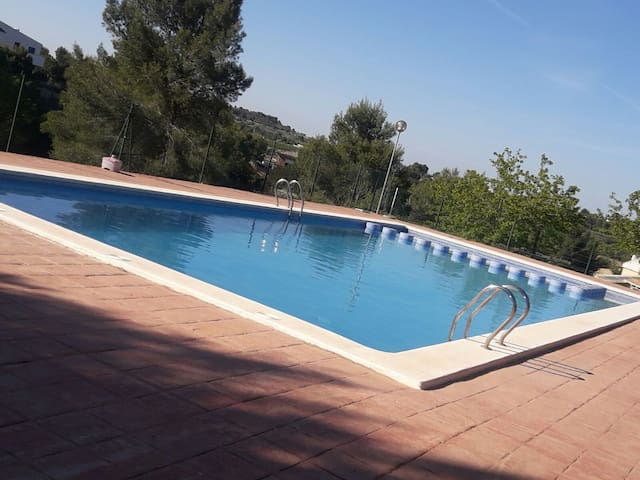 Semi Detached House with shared pool