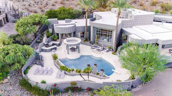 Gorgeous Mansion w/ Luxury Pool and  VIEWS!