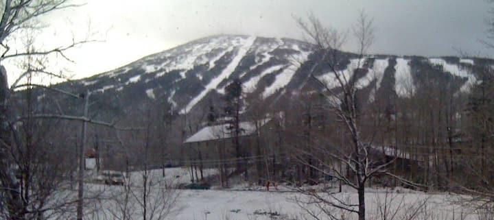Sugarloaf -On Mountain -Views -Cozy -Great Locatio