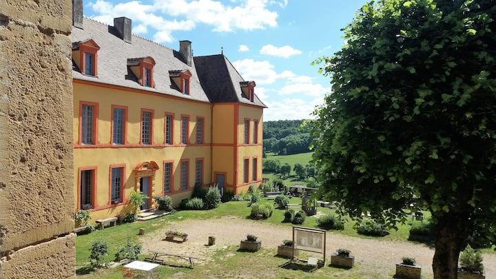 Gîte du Château de St.  Colombe 14 pers./ privatif