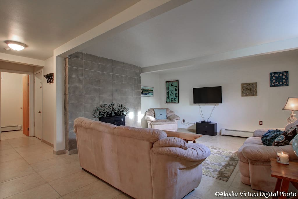 Living room/hallway to half bath