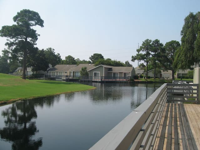 Linkside 435, Free Activities! Golf Cart, Waterfront, Pet-friendly, Great Views