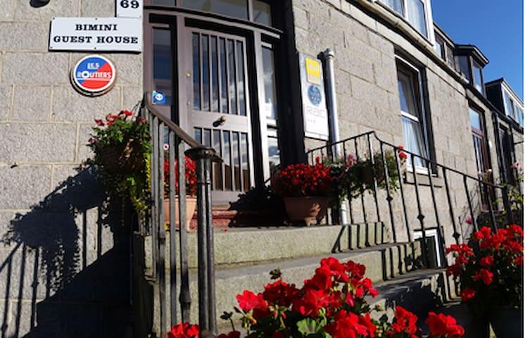 Bimini Guest House - City Centre Aberdeen