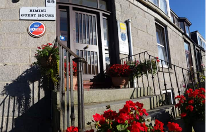Bimini Guest House - City Centre Aberdeen
