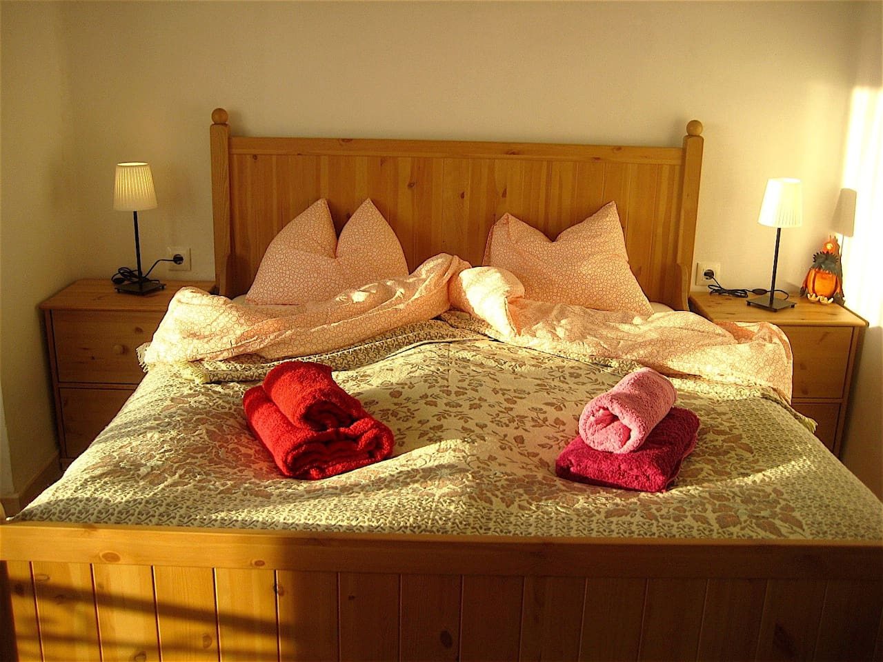 master bed room with double bed  (1,60m x 2,00m)