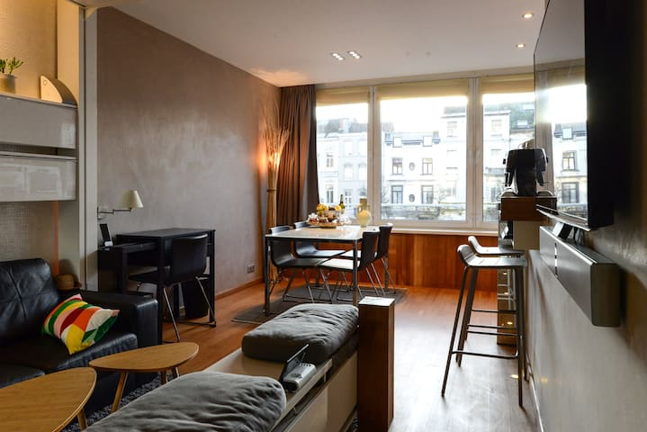 Cosy flat in the ❤ of european District and Flagey - Ixelles - Appartement
