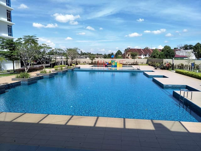 The Senai Garden -  Resort Living Truly Yours - Senai