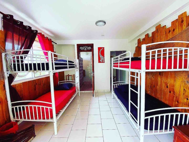 **NEW !! Family room 4 pax Hostel Deshaies**