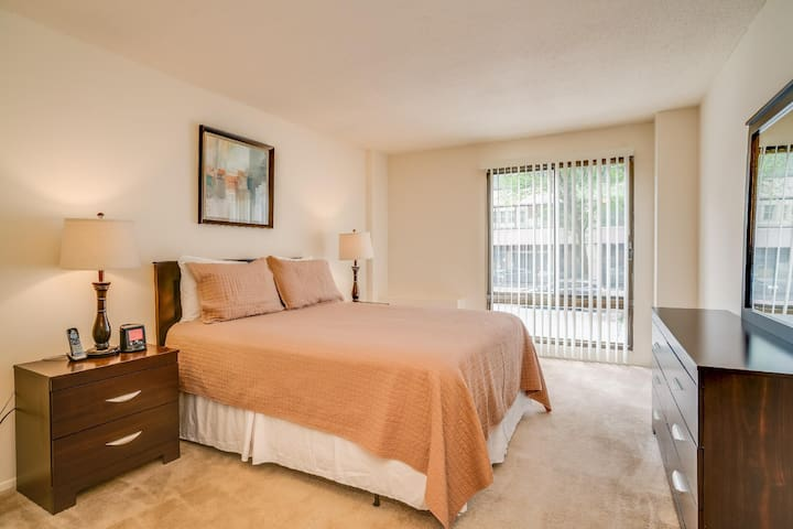 NW DC 30 Day Stays Two Bedroom