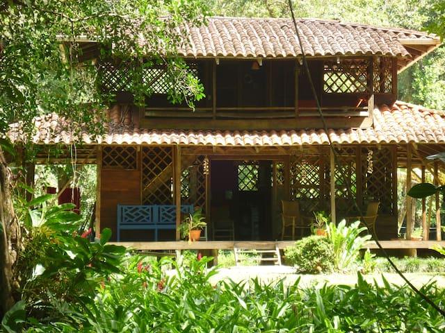 Beachfront house in Playa Ballena