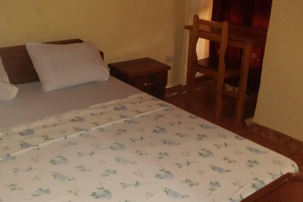 chambre  ou studio indépendant avec salle de bain privée + kitchenette