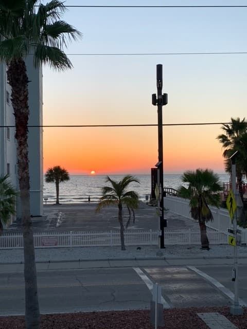 Sunset Beach Condo in Treasure Island