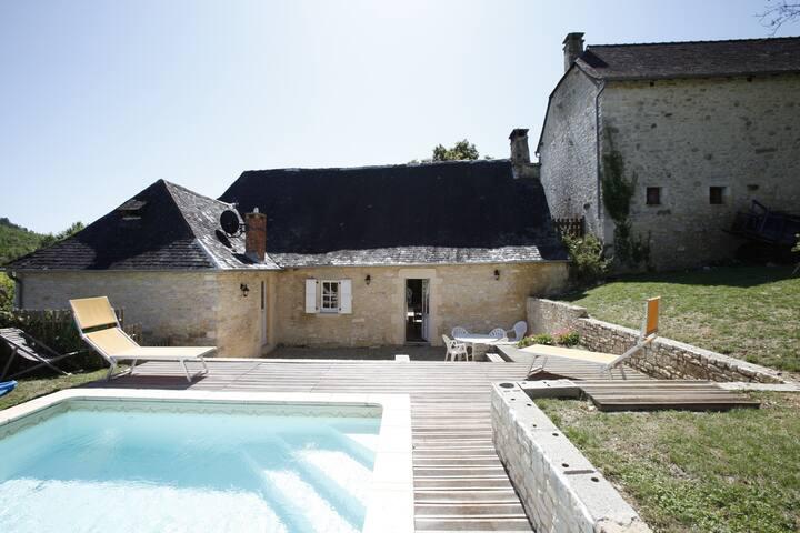 Maison de charme avec piscine chauffée - Montignac-le-Coq