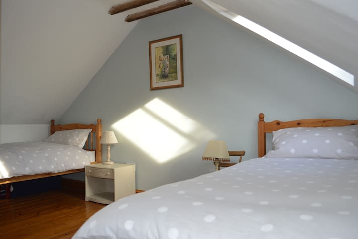 Potter's Cottage (Twin Room) - Honeybourne - Bed & Breakfast