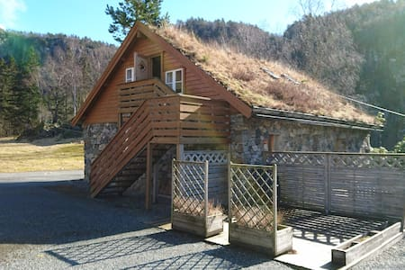 Cozy stonehouse appartment - Hjelmeland