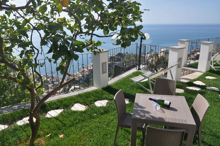 Casa ROBERTA Un paradiso sul mare