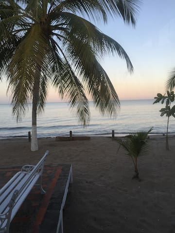Ziruma: Playa brisa y mar