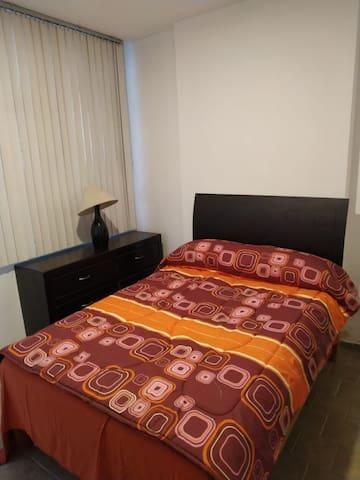 Habitación 6 con baño propio cerca Plaza Galerías