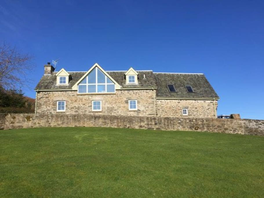 Large Steading conversion in stunning location
