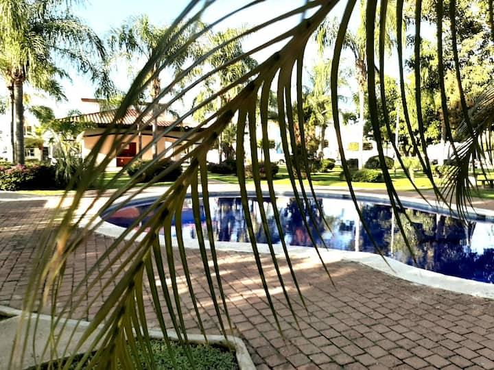 Casa con alberca en residencial privado