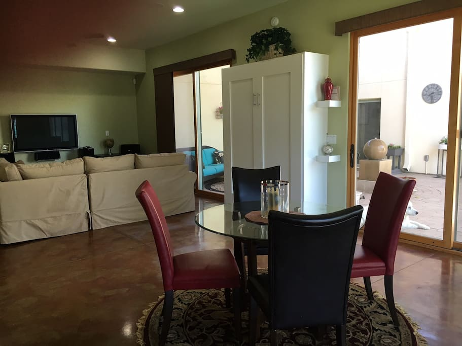740 SF! Direct TV, WIFI, beautiful living room/dining space w/Murphy bed.