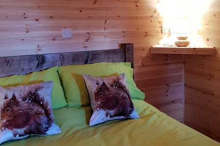 Cosy Glamping Pod Anglesey use of Hot Tub