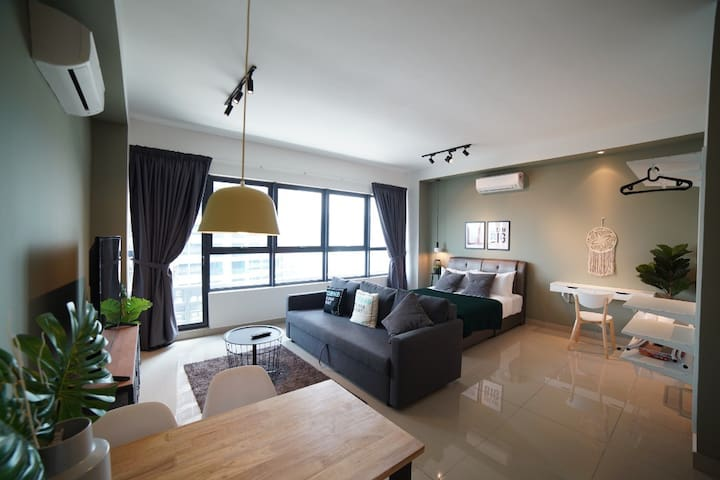 Living Room Stunning Studio Apartment in Arte PLUS by COBNB