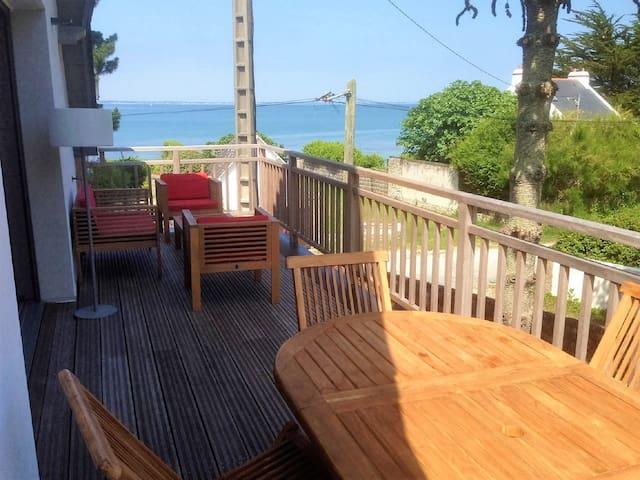 2 pièces duplex NEUF, terrasse, vue mer, 20m plage