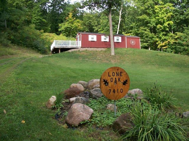 Lone Oak Cabin