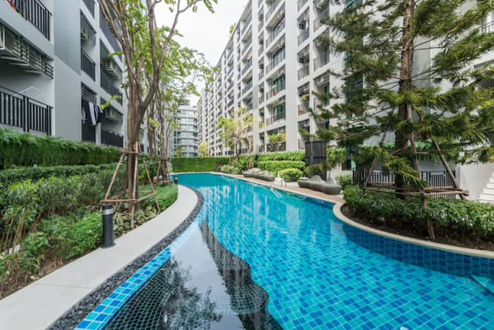 Bangkok nice BTS Samrong 1 bedroom and 1 bathroom